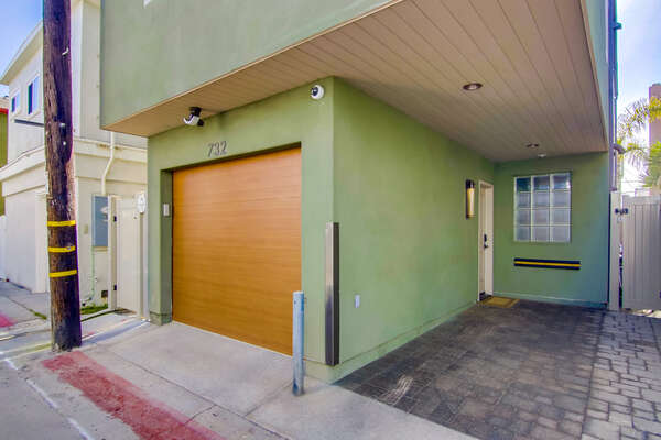 Garage and Carport Located at San Diego Rental in Mission Beach.