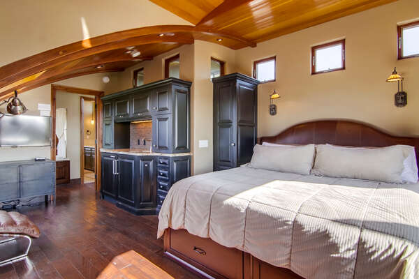 Image of Beautiful Master Bedroom.