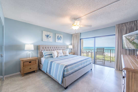Direct ocean front bedroom with beach views from bed (king bed, walkout balcony, 55