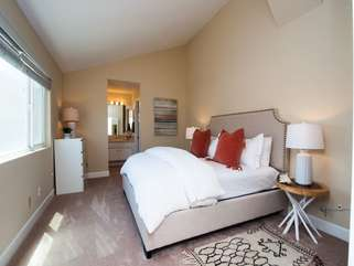 Master bedroom 2 - king bed, ensuite full bathroom and extra sleeping area