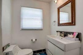 Granny Flat (Full Bath with Walk-In Shower)