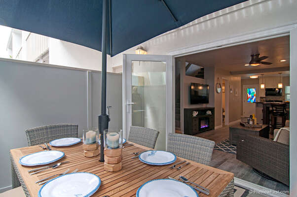 Outdoor Patio pf this Pacific Beach CA rental with Dining table.