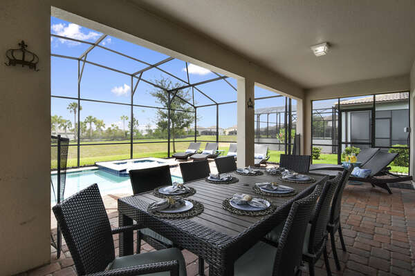 Covered patio dining area for 8 guests