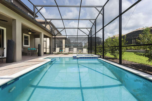 The private pool and spa is great to come home to after a long day in the theme parks