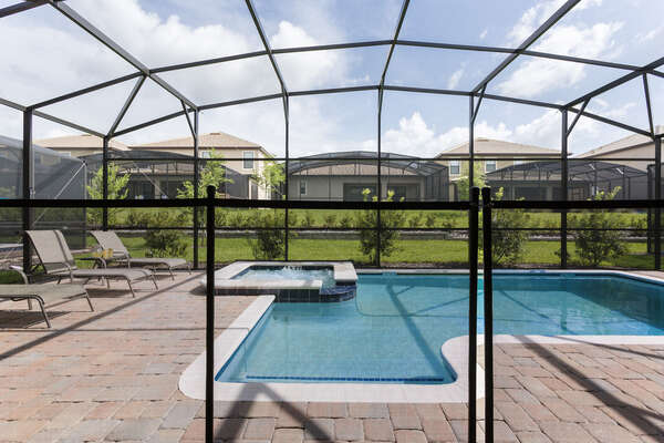 Rest easy knowing the pool safety fence can be put up for additional safety