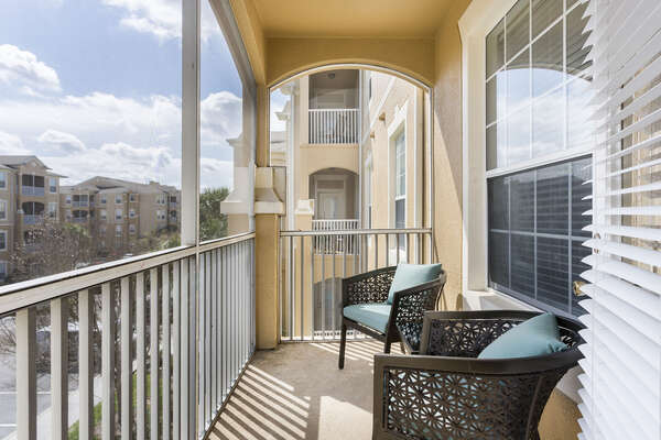 Sit out on your private screened in balcony and enjoy the warm Florida sunshine