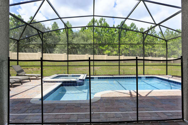 Pool fence for your peace of mind