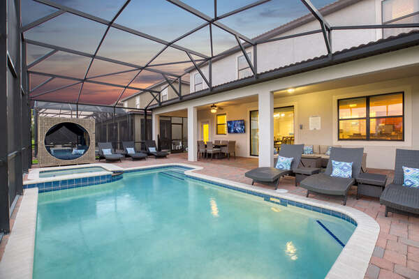 Enjoy the pool at night with your loved ones