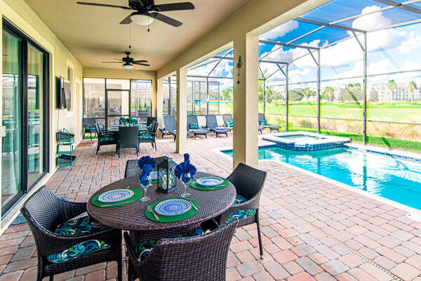 Dine out by the pool on your vacation
