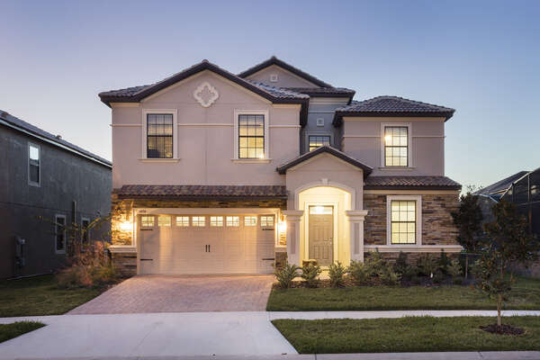Come home to this luxurious vacation home rental on your Orlando vacation