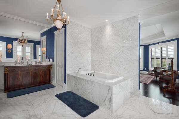 Perfect garden tub in the en-suite bath to relax