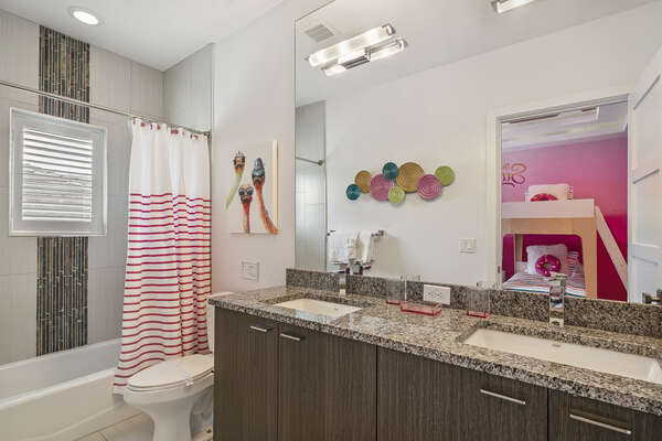 The ensuite or en-sweet bathroom for the kids