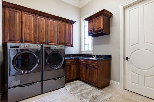Ground floor full sized laundry room
