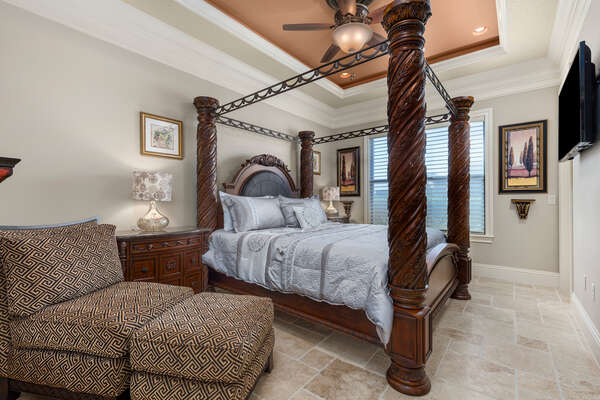 Ground floor master bedroom with a king bed