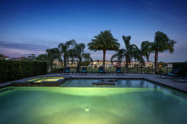 Spend your evenings in the pool area
