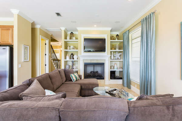 Gather around the large flatscreen TV to watch your favorite movies whilst on vacation