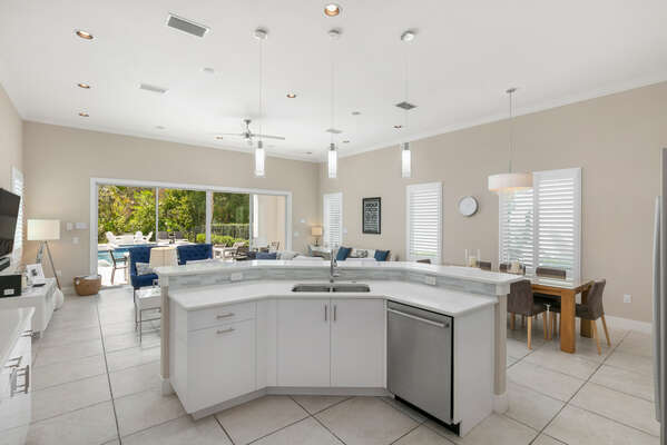 Spacious kitchen area with breakfast bar