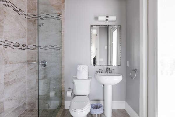 (annex) En-suite bath with glass door walk in shower