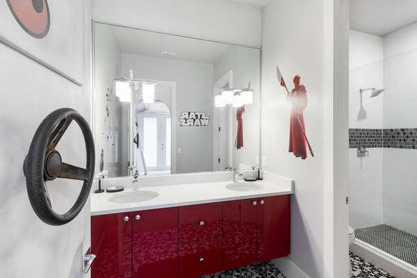 Ensuite bathroom to suite 9