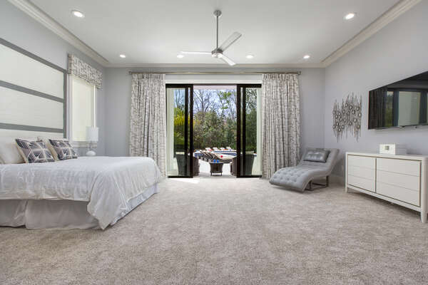 Grand master suite featuring a King bed located on the first floor