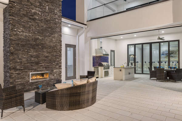 You will love your outdoor dining and entertainment area with a gas BBQ perfect for the evening grills (Fireplace not allowed for guest use)