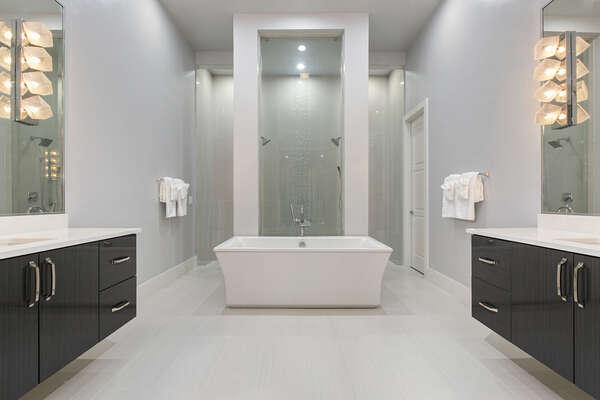 Ensuite bathroom for grand master suite 1