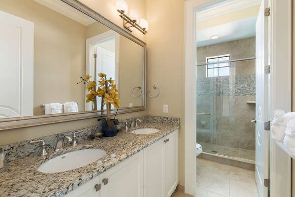Huge bathroom with beautiful counter tops