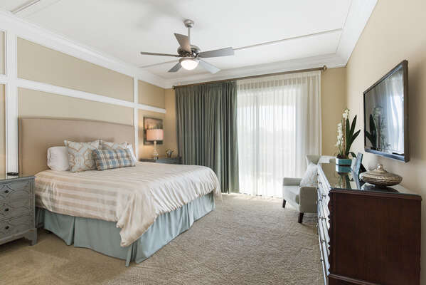 King sized bed with private balcony