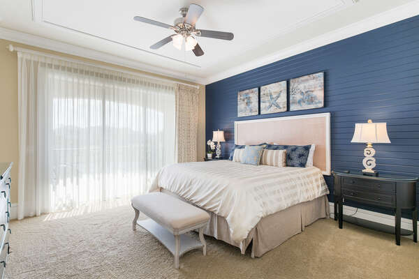 King sized bedroom with private balcony
