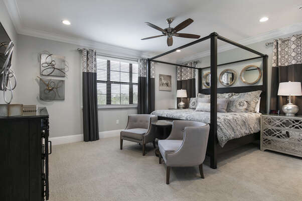 Master Suite 8 features a beautiful king size bed with en-suite bathroom