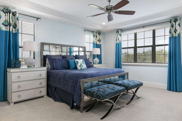 Master suite 7 features king size bed and en-suite bathroom