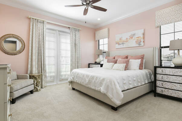 Master Suite 5 with king size bed