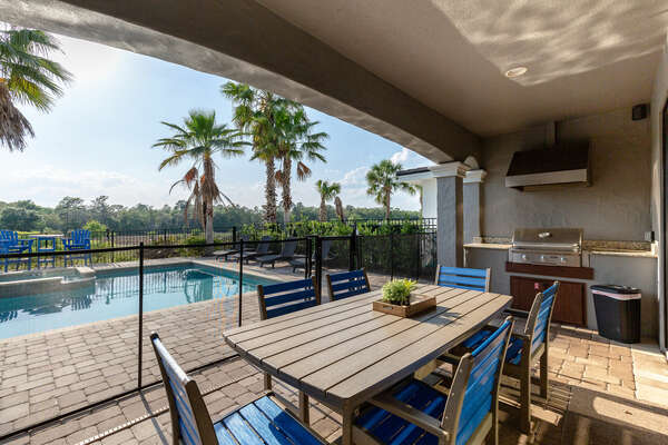 Grill up a meal on the built-in BBQ and dine al`fresco with the outdoor dining table