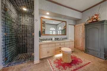 Bathroom 4 Full bath with vanity