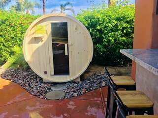 Huge custom resort style Sauna big enough for 4