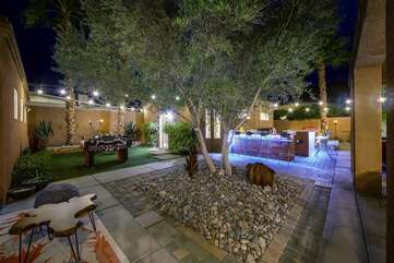The courtyard that divides the detached Casita from the Main house!