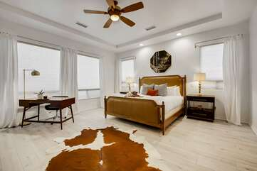 Master Bedroom. Bedroom 1 Cal King size bedProfessionally decorated rooms