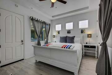 DETACHED Cassita Bedroom 2.  King size bedThis is SEPARATE from the main house and has its own full bath