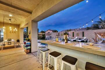 This angle shows the views of the La quinta mountains from the bar