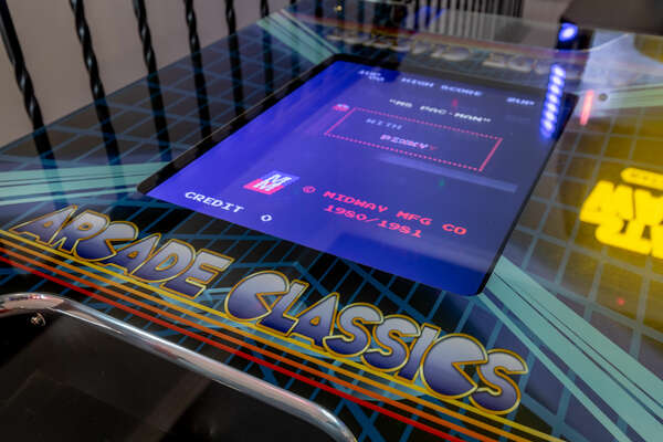 Play on the arcade classics game