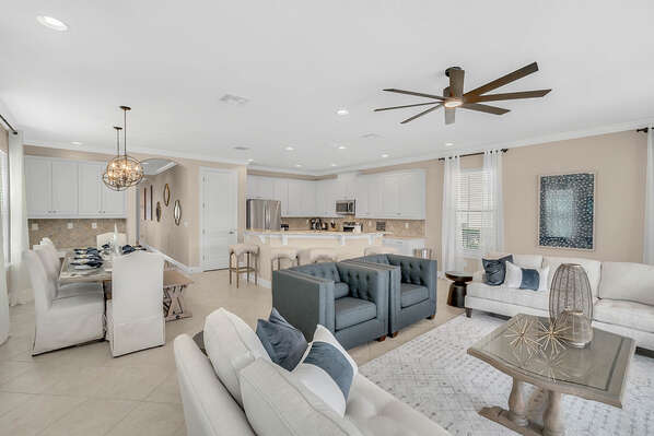 Plenty of space to relax and enjoy family time in a luxuriously decorated living space