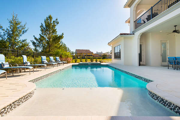Private pool with spillover spa and splash pad for all to enjoy