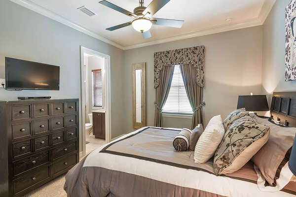 Master Suite 7 with a 32-inch TV and DVD Player
