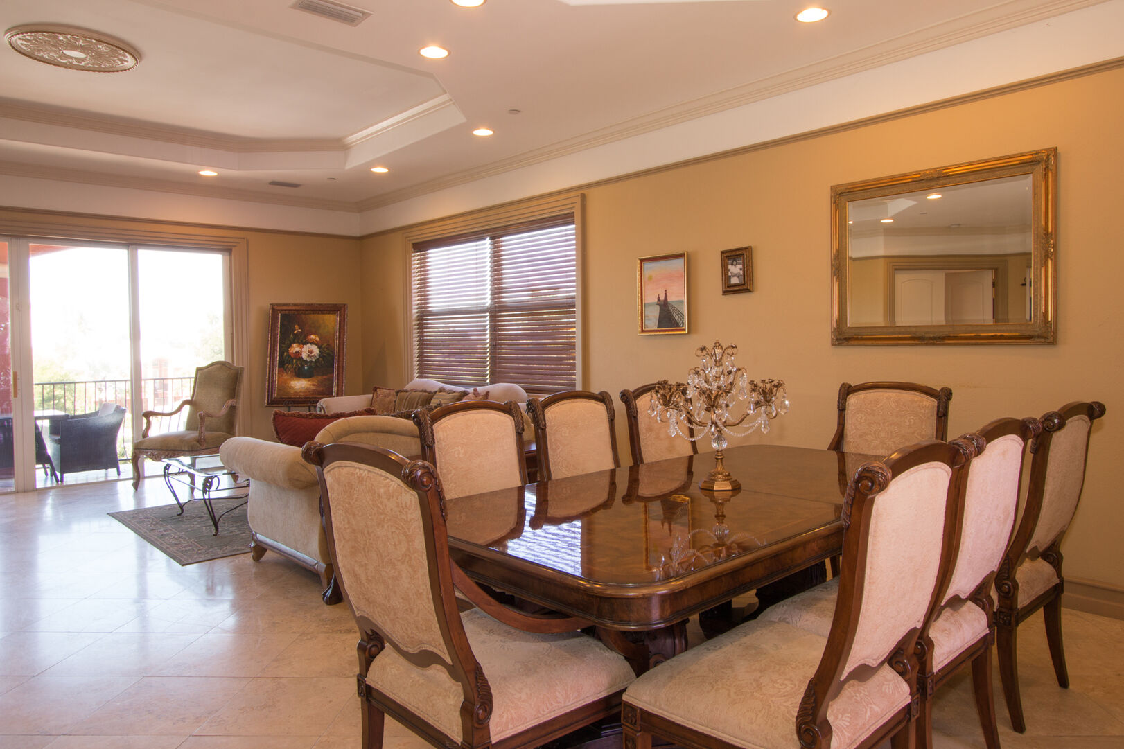 Dining area with seating for eight in our vacation home in Fort Myers Beach
