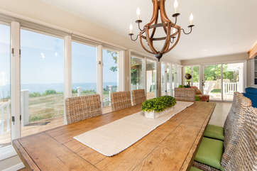 Lakefront Dining Room for 8