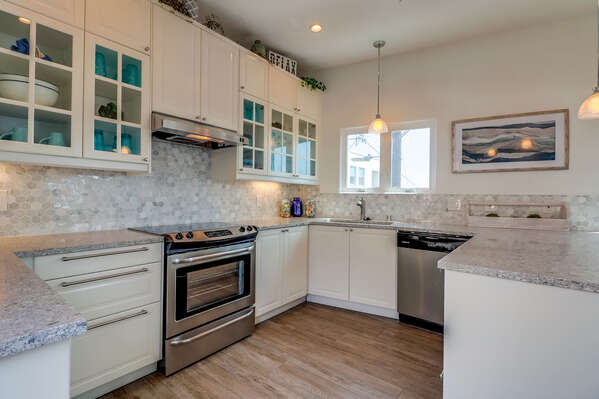 Fully Stocked Kitchen in Rental in Mission Beach San Diego.