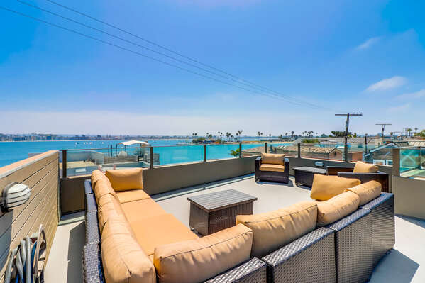 Roof Deck with Outdoor Furniture and Panoramic Views