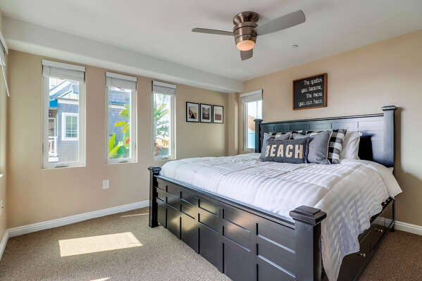 Master Suite with King Bed - Second Floor