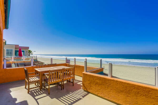 Welcome to the front balcony of this Mission Beach vacation rentals beachfront!