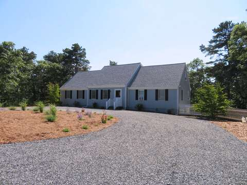 4 bedrooms, 3 baths, and plenty of room to spread out. Extra large driveway too! - 162 Owl Pond Brewster Cape Cod - New England Vacation Rentals